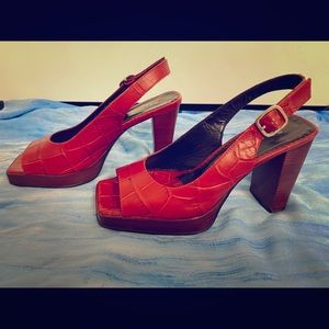 Martinez Valero Red leather heel sandal